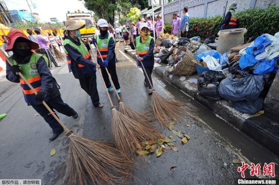 曼谷市长宣布洪灾全部结束 市民生活恢复正常