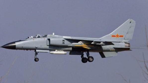解放军已装备高速侦察机 配备两种空空导弹