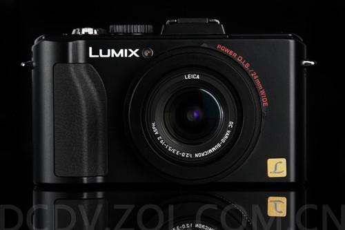 图为:松下数码相机LX5