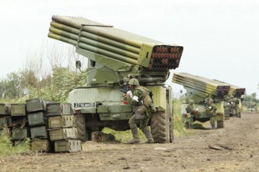 俄军批量装备新旋风-g火箭炮替换冰雹与龙卷风(组图)图片