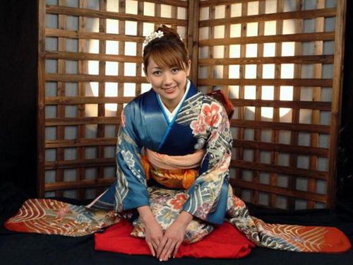 日本女人�y�-�.��)�h�_揭秘日本女人和服里隐藏的秘密【组图】