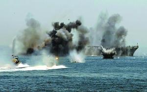 伊朗伊斯兰革命卫队在霍尔木兹海峡举行大规模军演。