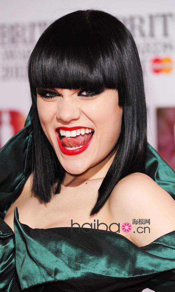 解不开的红唇情节!2011年度欧美明星的各种色系红唇妆