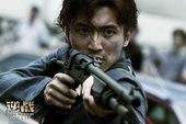 《逆战》曝制作特辑1月17日上映  主演配枪曝光