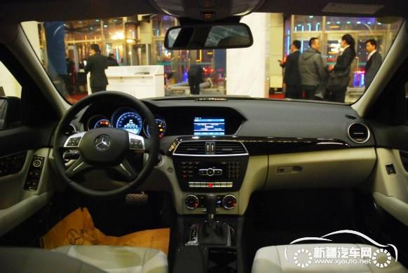 梅赛德斯—奔驰新c200 到店实拍 测评 图解