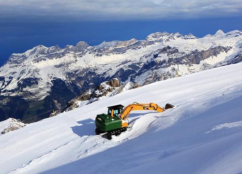 瑞士铁力士雪山
