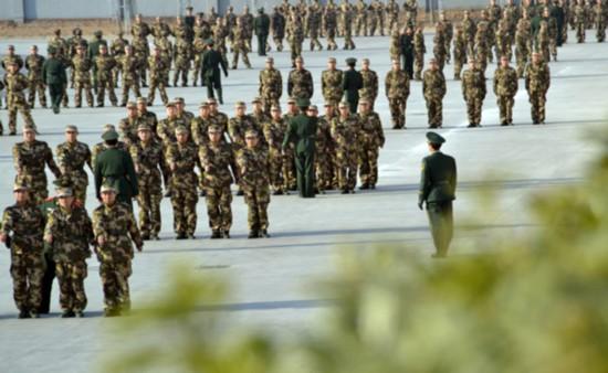2015去北京当武警名单_武警新兵训练和日常安排-