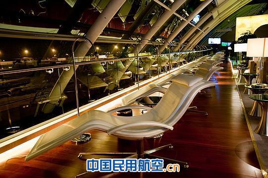 广州白云机场南航明珠贵宾国际休息室正式启用(组图)