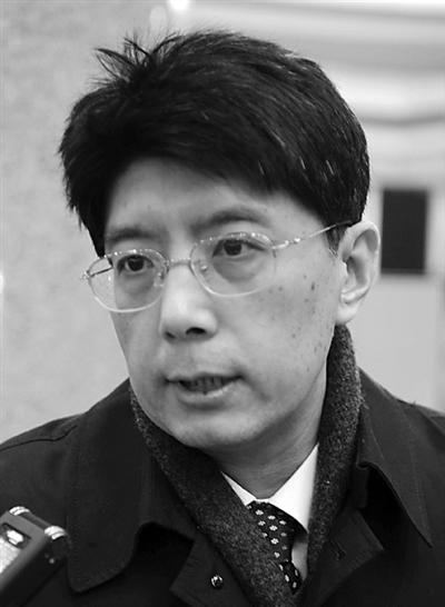摇号上牌、尾号限行政策实施以来,在缓解北京道路拥堵、方便市民出行上发挥了巨大作用。昨日,政协委员朱良表示,将向大会提交提案,利用科技化的手段对限行政策进行完善,以更好地服务北京市民。