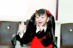 6岁女孩田佳子吸引了评委的眼球 本组图片 本报记者 孙晶磊 摄