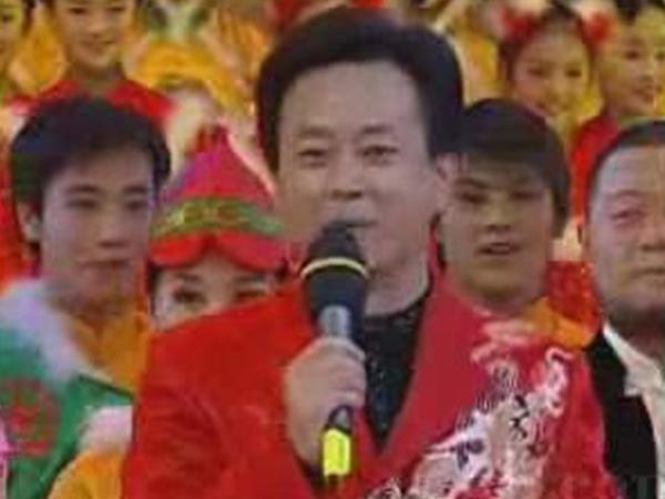 2003年春晚主持人 朱军