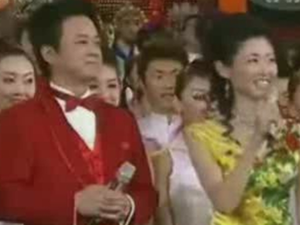 历届春晚视频_2007央视春晚 黑色三分钟 - 搜狐视频