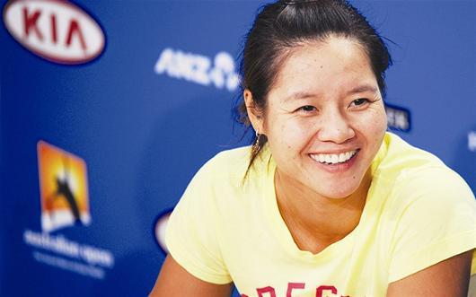 """楚天都市报讯 澳大利亚网球公开赛将于今日在墨尔本公园拉开序幕。李娜的首个对手是哈萨克斯坦的美少女佩瓦克。面对新赛季第一个大满贯,娜姐充满了""""饥饿感""""。"""
