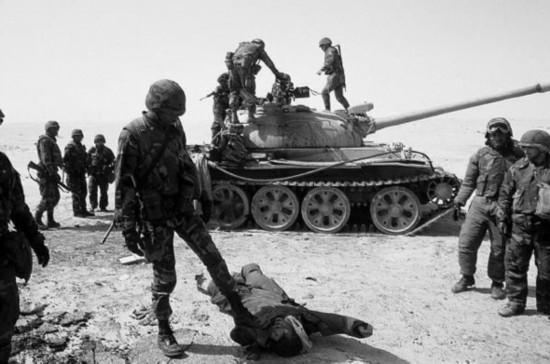 数小时后,科威特首都失守,次日全境沦陷,8月8日,伊拉克宣布吞并科威特