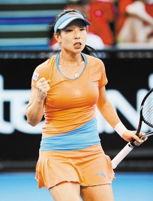 彭帅凸点_在继中国金花李娜,彭帅后,旧地重游的郑洁在自己的首场比赛中横扫对手