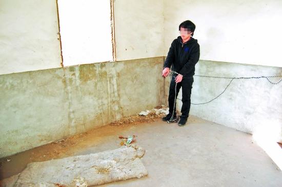 小孩 安溪/嫌犯将两小孩藏在这废弃的工房里