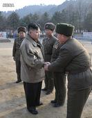 """金正恩视察部队 指示加强训练打造""""万能士兵"""""""