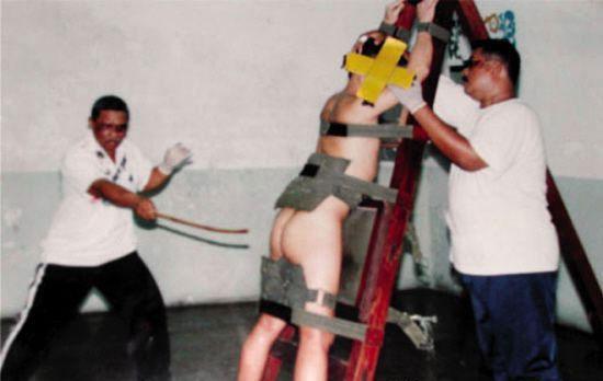 新加坡旅游要自律 违反法律受鞭刑