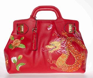 刺绣花纹手提包尽显古典中国韵味