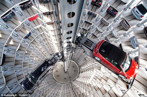 车库可装200辆汽车