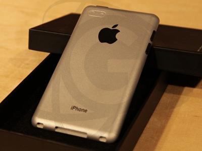 5已经在富士康进行组装,准备生产.据称,该机器的外形与iPhone 图片