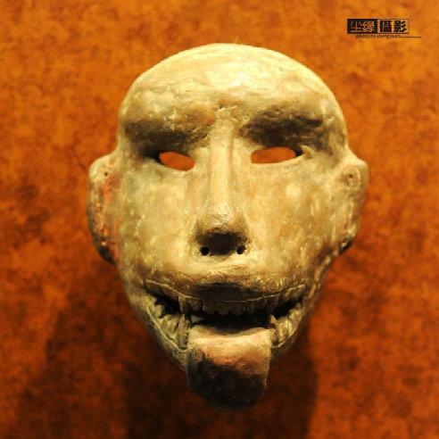 骷髅/吐着舌头的骷髅面具。