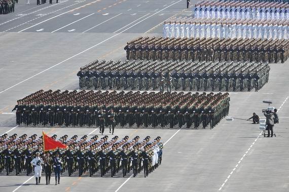 资料图:2009年国庆阅兵式图片。