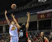 WCBA季后赛:北京胜黑龙江 张帆上篮