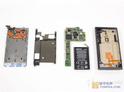 诺基亚Lumia 800拆解评测 内置1450毫安时电池