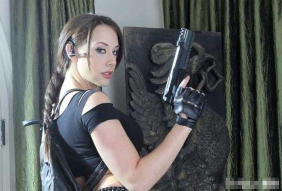 xxx情色_《正义联盟》的神奇女侠,虽然是色情版,不过《古墓丽影xxx》的特技也