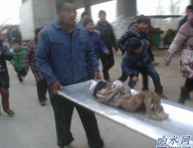 江苏响水县裕廊孩童下尸体多具数学挖出大桥解题视频图片
