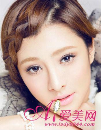 大波浪卷发适合成熟的女生发型,蓬松的内卷刘海打造圆脸发型.图片