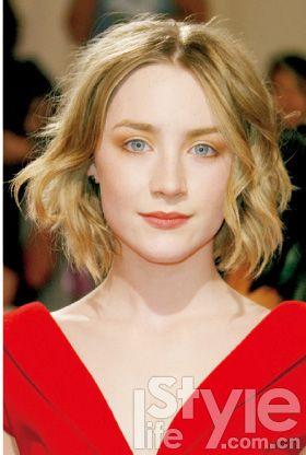 学生回归时尚潮流外翘短发背影头实拍(组图)明星短发姑娘图引领图片