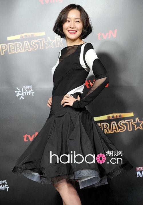 气质好穿啥都很美!海报时尚网韩国女明星近期