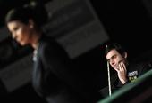 图文:德国大师赛奥沙利文夺冠 比赛中冷静思考