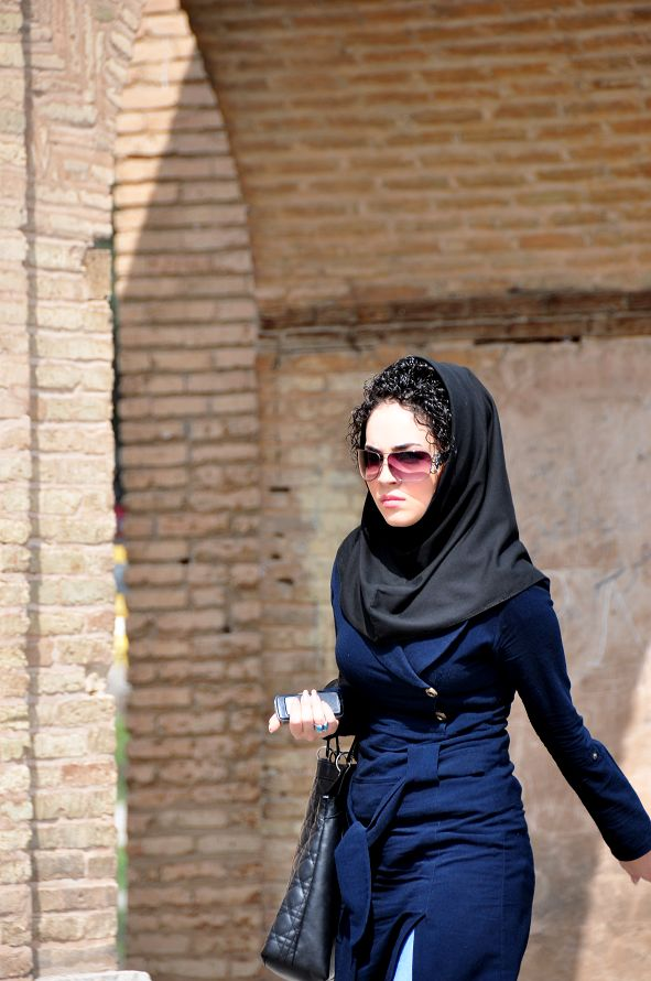 斯林妇女头巾的戴法 穆斯林妇女头巾的戴法高清 穆斯林纱巾的最新戴