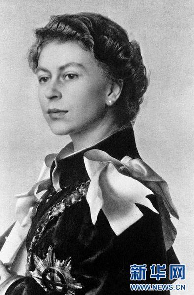 英国女王伊丽莎白二世年轻时照片