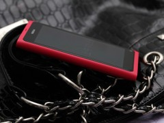 情人节好礼物 粉色诺基亚N9商城处热销中