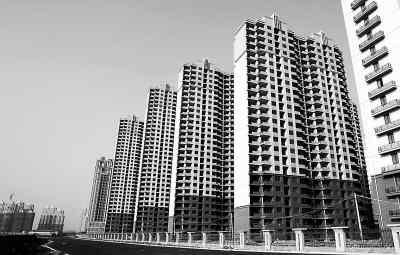 图为即将竣工的上海保障性住房三林基地7号地块依水园小区。新华社记者 凡 军摄
