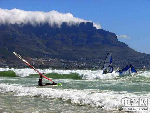 全球十个最美丽的冲浪胜地