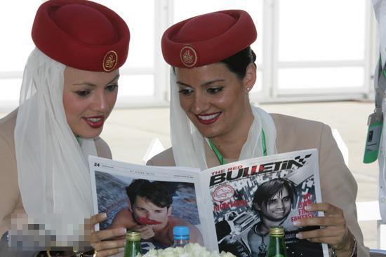 空姐已经成为了现在女孩最羡慕的一个职业,特别是在全世界空姐已经成为了每个国家的靓丽风景线。纵观各个国家的空姐,风姿卓越,但是属甜美的话中国的空姐一定排第一。