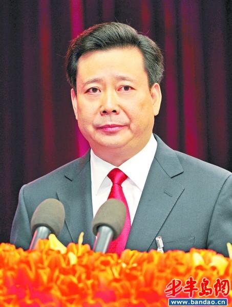 李群同志代表十届市委作报告