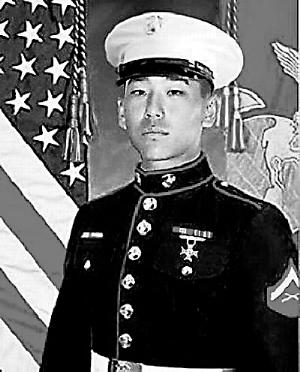 美华裔士兵遭辱致死案被告被判无罪(组图)