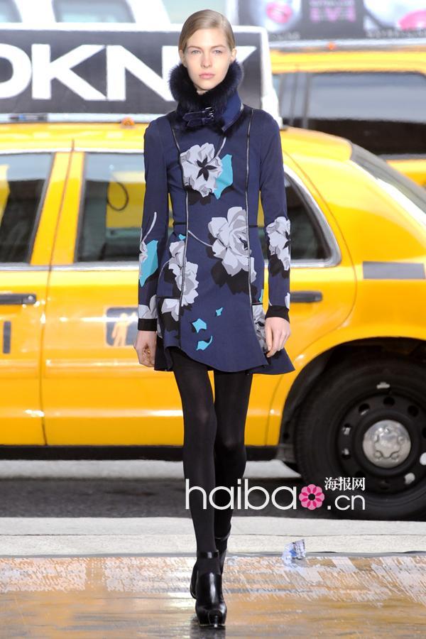 帅气歌舞&a歌舞视频打造纽约客制服!DKNY20泳装皮革皮草图片