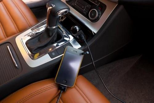 贝尔金(Belkin)双USB车载充电器是旅途中iPhone 4S最好的伙伴