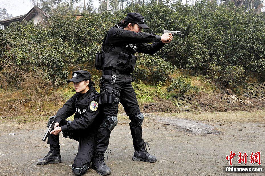 四川女子特警队女子特警队图片武警女子特警队照片