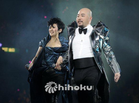 吴君如与Wyman相识20多年,前晚担任嘉宾上台合唱