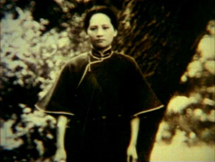 端庄美丽的宋庆龄年轻照片(组图)