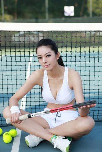 运动型美女很吸引人