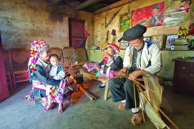 傈僳人的编织